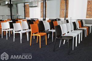 krzesla eventowe maya pomaranczowe biale wynajem warszawa